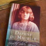 Help with finding Spanish translations of Daphne du Maurier biography and autobiography